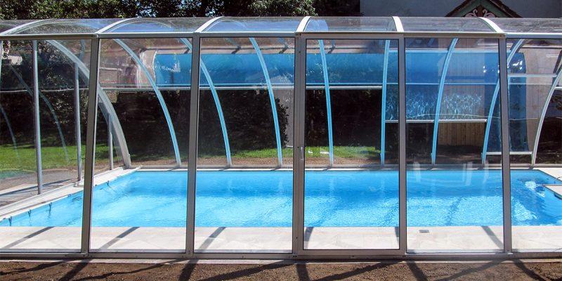 Hohe schiebbare Schwimmbadueberdachung