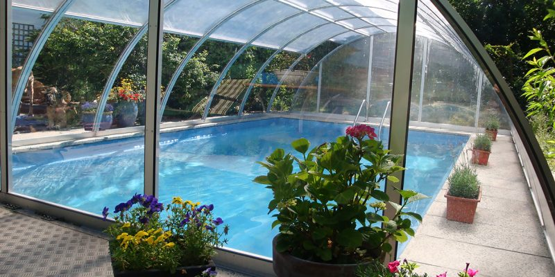 Badespass im Pool das ganze Jahr